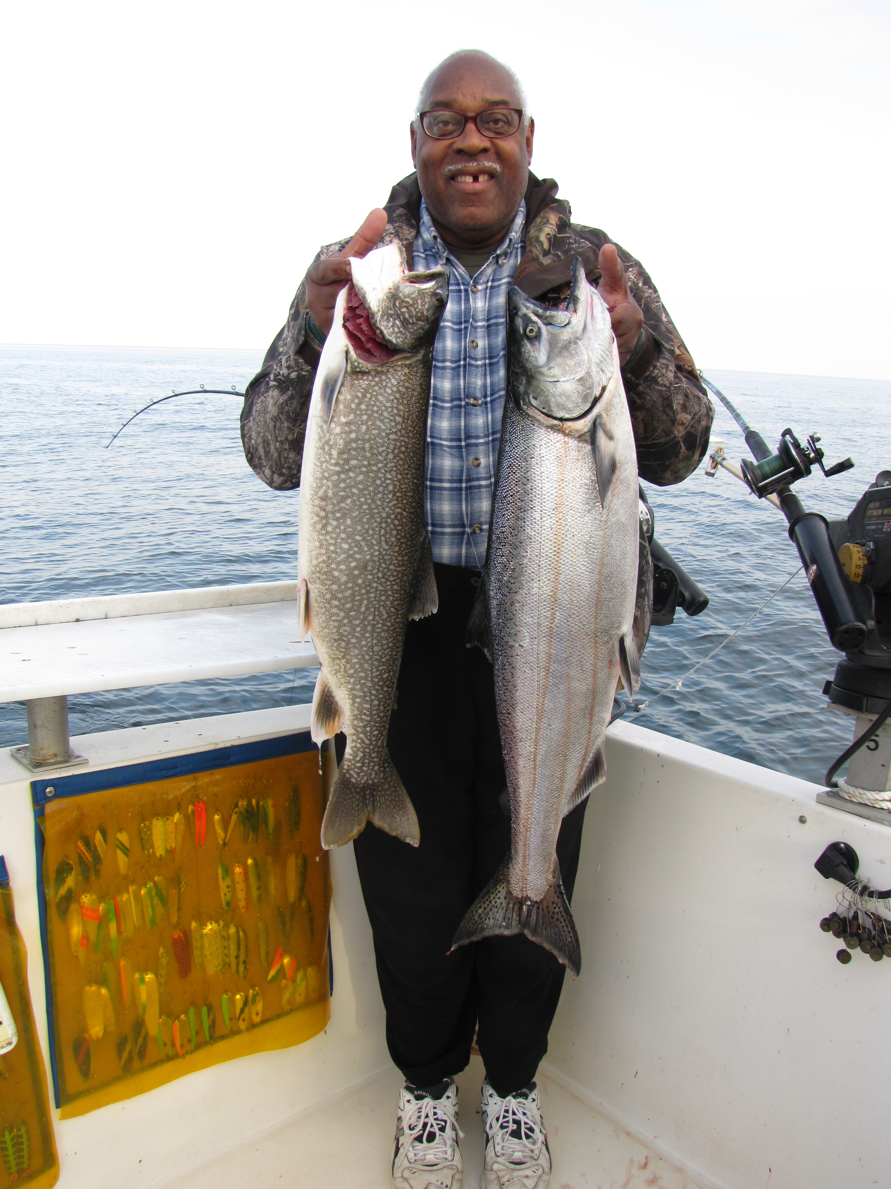 Lake ontario trout and salmon fishing light lining kings for Lake ontario salmon fishing charters