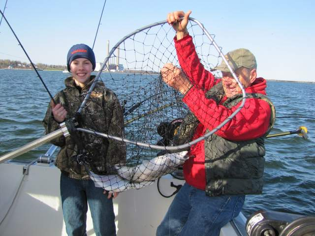 Oswego brown trout fishing conditions fish doctor charters for Oswego river fishing